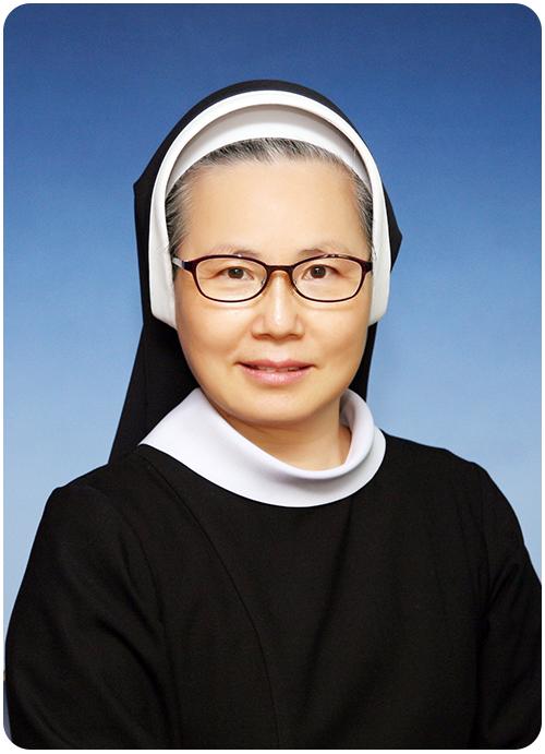 손 미카엘라 원장 수녀